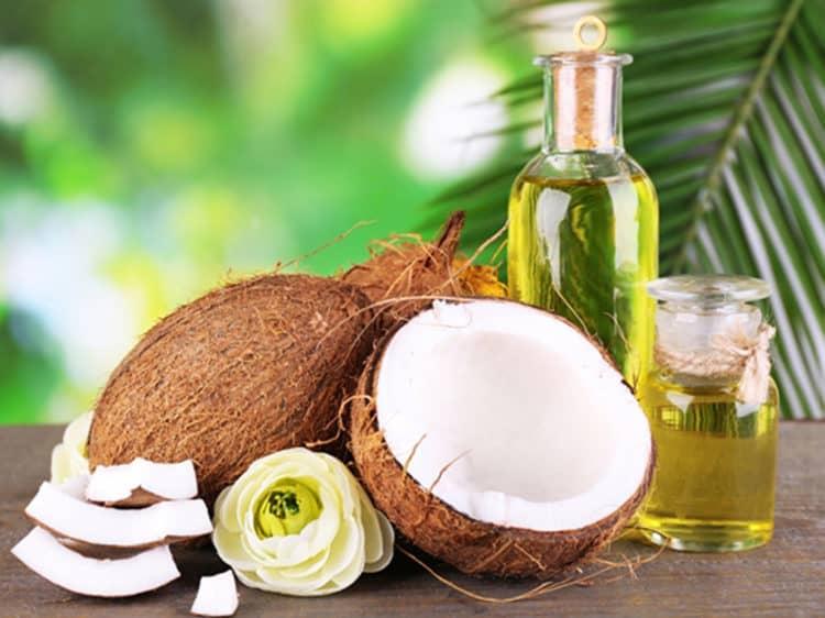 Mách bạn cách chăm sóc răng miệng bằng dầu dừa-1