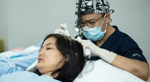 Cấy tóc thẩm mỹ - giải pháp an toàn và hiệu quả cho mái tóc thưa, hói, gãy rụng nhiều