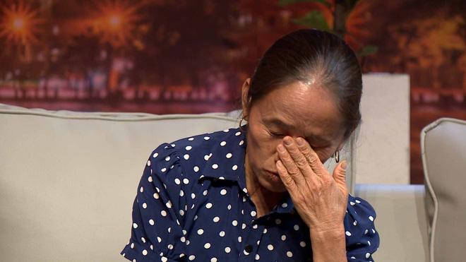 Bà Tân Vlog bật khóc: Tới tận tháng 5 năm nay, tôi vẫn phải đi phụ hồ, chồng nghiện rượu rồi mất, khổ cực lắm-3