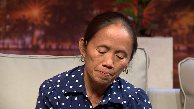 Bà Tân Vlog bật khóc: Tới tận tháng 5 năm nay, tôi vẫn phải đi phụ hồ, chồng nghiện rượu rồi mất, khổ cực lắm-4