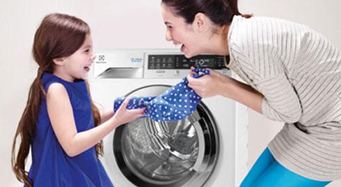 3 mẹo dùng máy giặt vừa sạch lại tiết kiệm nhiên liệu, giảm hẳn chi phí