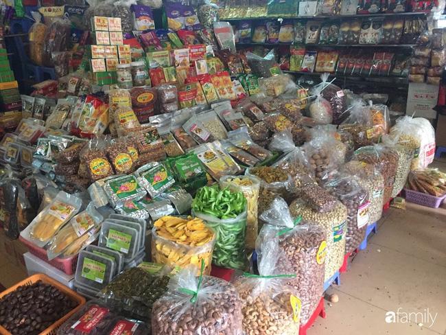 Sát Tết trên thị trường lại xuất hiện loại mứt trái cây mix bán theo hộp với giá rẻ bất ngờ-8