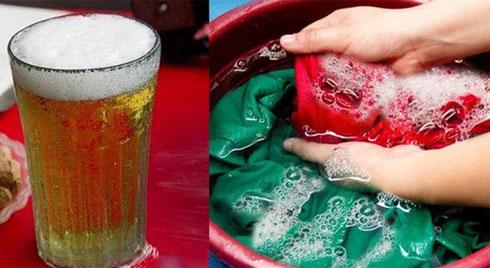 """Mang bia đổ vào quần áo, tưởng phí của trời ai ngờ phát hiện """"tuyệt chiêu"""" bất ngờ"""