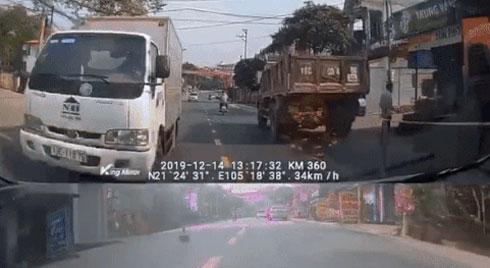 Chạy xe lấn làn gây tai nạn, nữ tài xế còn mở cửa mắng tài xế xe tải: