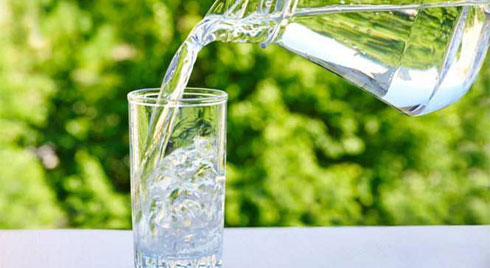 Những cách uống nước