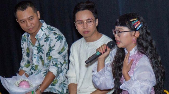 Phương Mỹ Chi bật khóc kể về khó khăn sau khi rời công ty Quang Lê