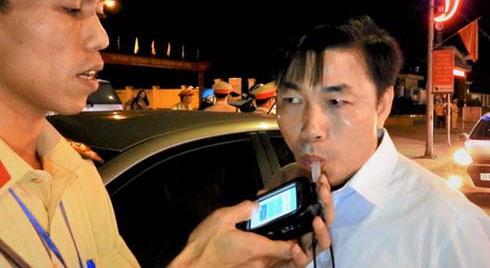 Bị lập biên bản vi phạm nồng độ cồn, trưởng khoa bệnh viện khẳng định không uống ngụm rượu nào