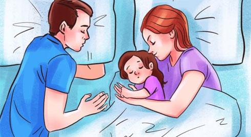 Cha mẹ cho con ngủ chung giường tưởng tốt hóa ra hại sức khỏe của con