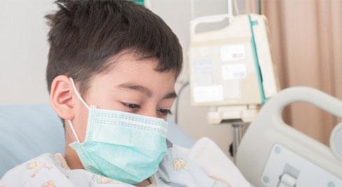 Thấy con cứng đờ người, miệng co giật, mẹ  mới thấm thía bệnh cúm A nguy hiểm thế nào