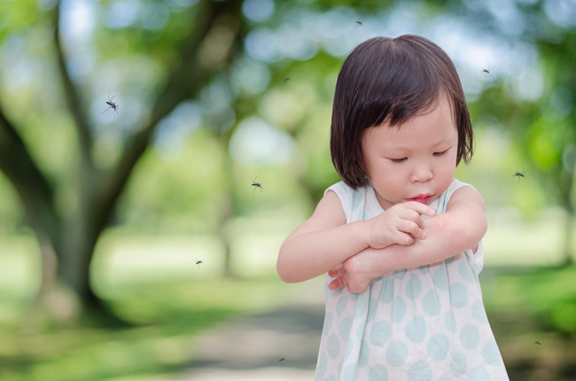 Tất tần tật những loại thuốc và dụng cụ y tế mà cha mẹ cần mang theo khi cho con về quê ăn Tết-2