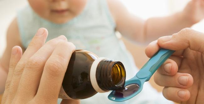 Tất tần tật những loại thuốc và dụng cụ y tế mà cha mẹ cần mang theo khi cho con về quê ăn Tết-1