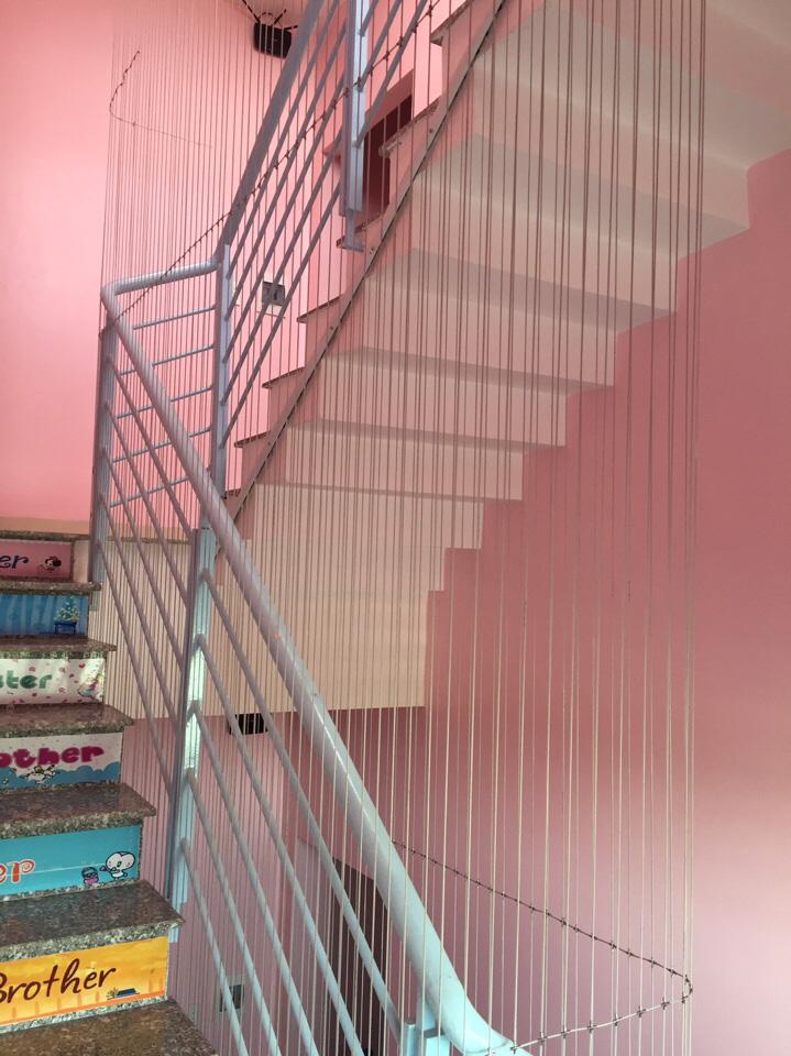 Các loại lưới an toàn cho nhà cao tầng, cầu thang bảo vệ trẻ nhỏ và những điều bạn cần biết khi chọn mua-3