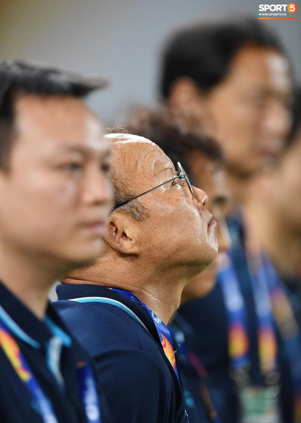 Khoảnh khắc đáng buồn nhất VCK U23 châu Á 2020: Đình Trọng nhận thẻ đỏ, U23 Việt Nam mất hết sau trận đấu với CHDCND Triều Tiến-4