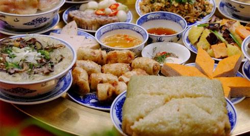 5 bí quyết ăn uống giúp kiểm soát cân nặng ngày Tết