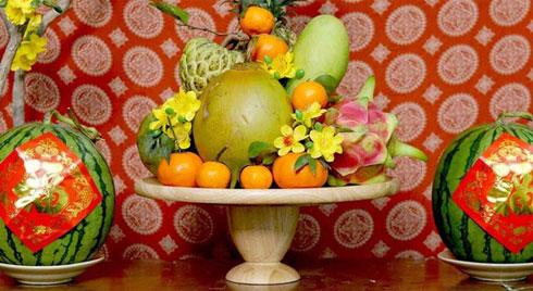 Cách chọn dưa hấu đỏ chưng bàn thờ mang đến tài lộc cho năm mới