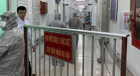 Phát hiện 2 ca nhiễm virus corona đầu tiên tại Việt Nam, Thứ trưởng Bộ Y tế tức tốc vào Nam chống dịch