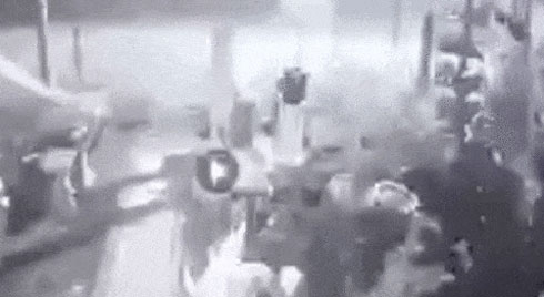 Clip: Khoảnh khắc kinh hoàng tài xế xe ôm công nghệ trước lúc bị bắn tử vong ở Sài Gòn