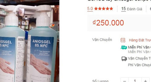 Nước rửa tay sát khuẩn 'cháy hàng', được thời chặt giá gấp 3 lần