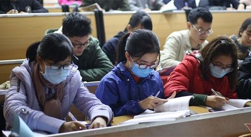 Đi học bình thường giữa mùa phòng dịch virus corona