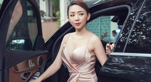 Tóc Tiên sở hữu biệt thự, xe tiền tỷ, hàng hiệu trước khi kết hôn