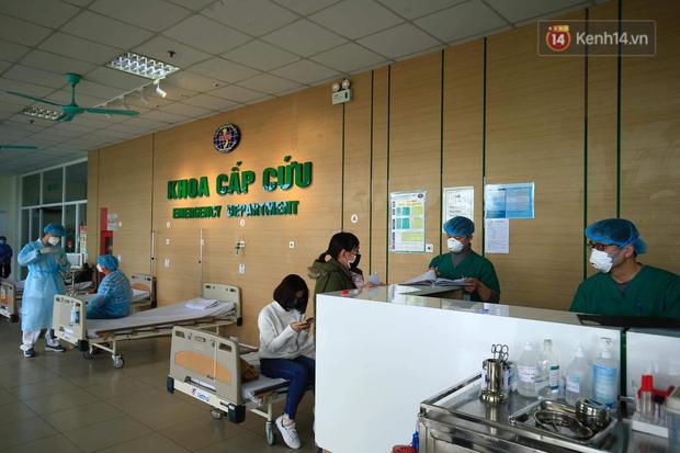 Những bác sĩ tại tuyến đầu phòng chống dịch bệnh nCoV bị hàng xóm xa lánh: Không thể đón con, không thể ở trọ-3