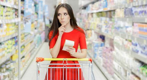 Nằm lòng 5 mẹo để không chi tiêu quá đà khi đi siêu thị thời bão giá