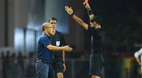 HLV Park Hang-seo bị cấm chỉ đạo 4 trận vì tấm thẻ đỏ tại SEA Games 30