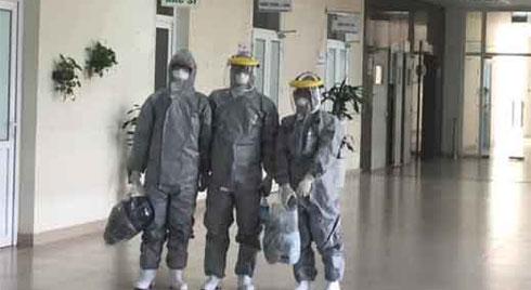 Chuyện về 3 bác sỹ là 'hành khách đặc biệt trên chuyến bay Vũ Hán'