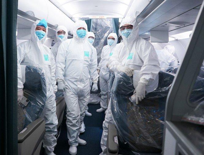 Chuyện về 3 bác sỹ là hành khách đặc biệt trên chuyến bay Vũ Hán-2