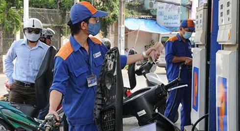'Đổ xăng đầy bình' sai lầm khiến nhiều người bị mất tiền oan