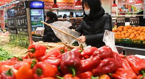 Giữa dịch Corona, bán rau 'cắt cổ', siêu thị bị phạt 3,3 tỷ