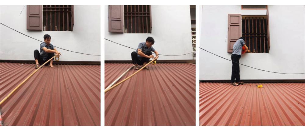 Vào phòng chốt cửa rồi lăn ra ngủ, cô bé hơn 3 tuổi khiến bố phải vác thang, trèo lên mái nhà để vào trong-1