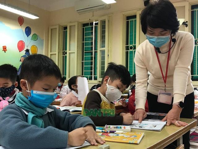 Bộ Y tế: Học sinh, giáo viên không cần đeo khẩu trang ở trường-1