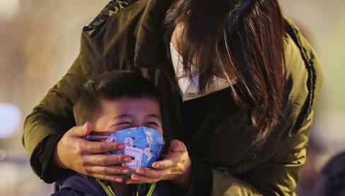 Cha mẹ cần làm gì khi trẻ đi học trở lại trong mùa dịch corona