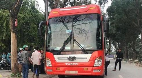 Chở hành khách có biểu hiện sốt từ Vĩnh Phúc đi Nghệ An, nhiều nhân viên xe khách bị yêu cầu cách ly, xét nghiệm Covid-19