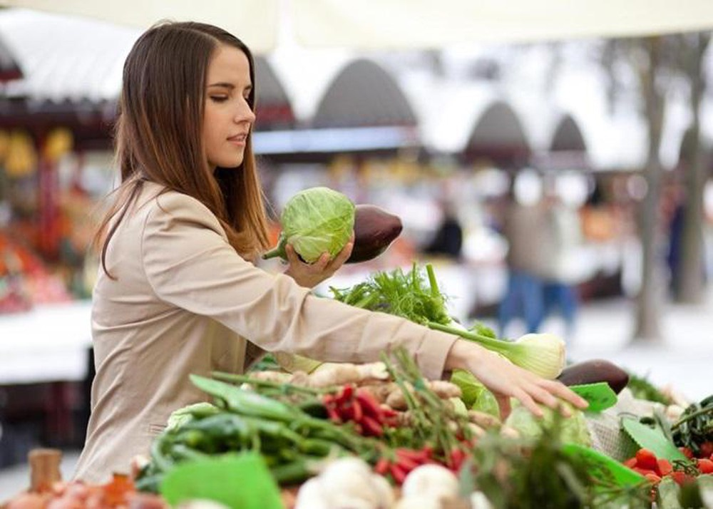 Chị em chỉ việc áp dụng những mẹo quan sát này đảm bảo mua được rau củ quả ngon, không dính hóa chất-2
