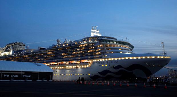 Du thuyền Diamond Princess: Xét nghiệm 1200 người có 355 ca nhiễm, tỉ lệ gần 30% chỉ từ 1 nguồn duy nhất - Tại sao cách ly rồi mà lây nhiễm nhiều như vậy?-1