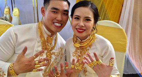 """Đám cưới """"siêu khủng"""" ở Đồng Nai: Chị gái tặng 49 cây vàng và 2,5 tỷ đồng cho cô dâu"""