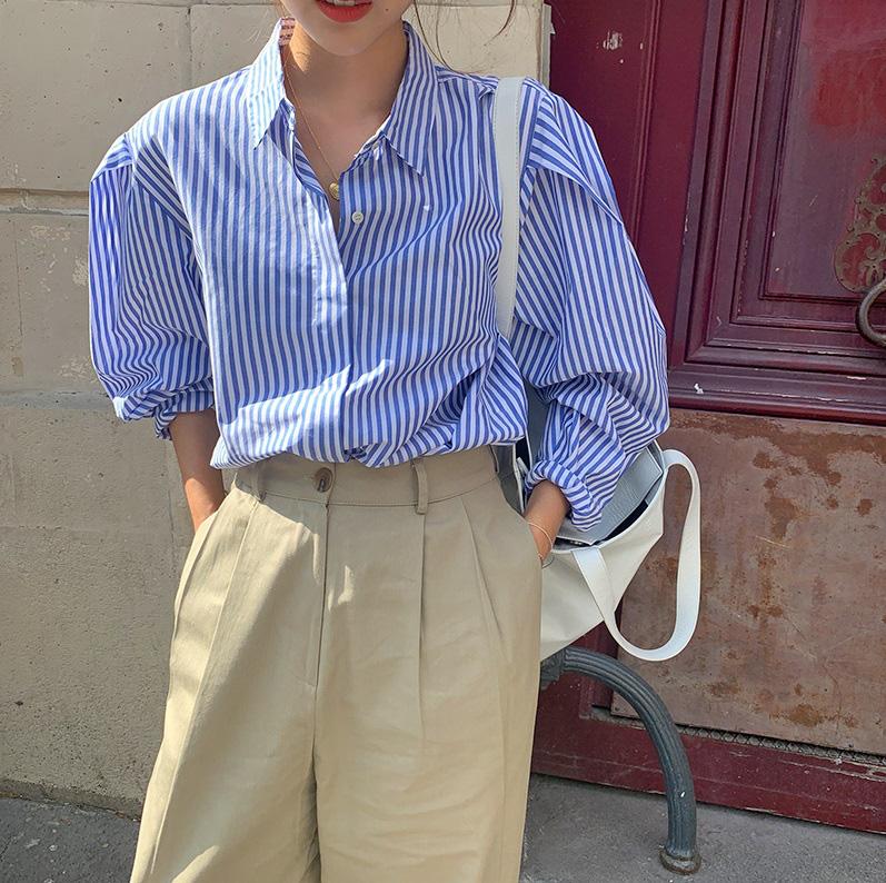 Ngắm là muốn sắm bằng hết 4 mẫu áo sơ mi/blouse được hai chị đẹp lăng xê trong Crash Landing On You-17