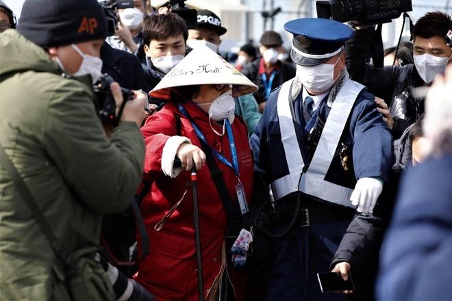 Hai hành khách nhiễm virus corona trên du thuyền ở Nhật tử vong-1