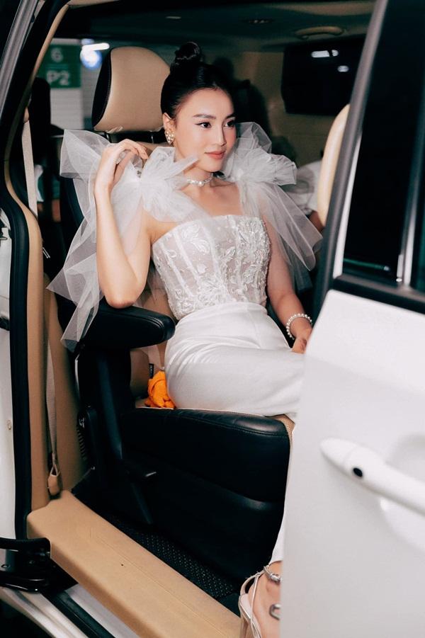 Ninh Dương Lan Ngọc sở hữu 2 nhà, xe sang, đồ hiệu, nhẫn kim cương-3