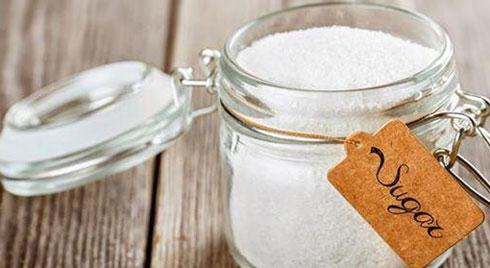 Cho một ít gạo vào trong hũ muối, việc làm tưởng ngớ ngẩn nhưng hiệu quả bất ngờ