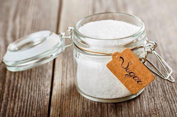 Cho một ít gạo vào trong hũ muối, việc làm tưởng ngớ ngẩn nhưng hiệu quả bất ngờ-1