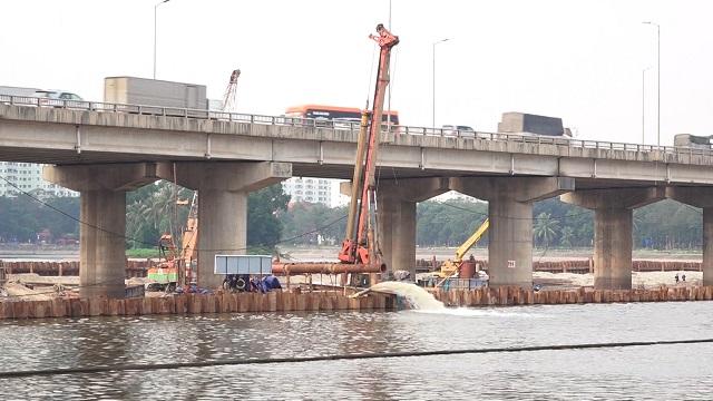 Công nghệ ngăn hồ Linh Đàm để thi công cầu ở Hà Nội