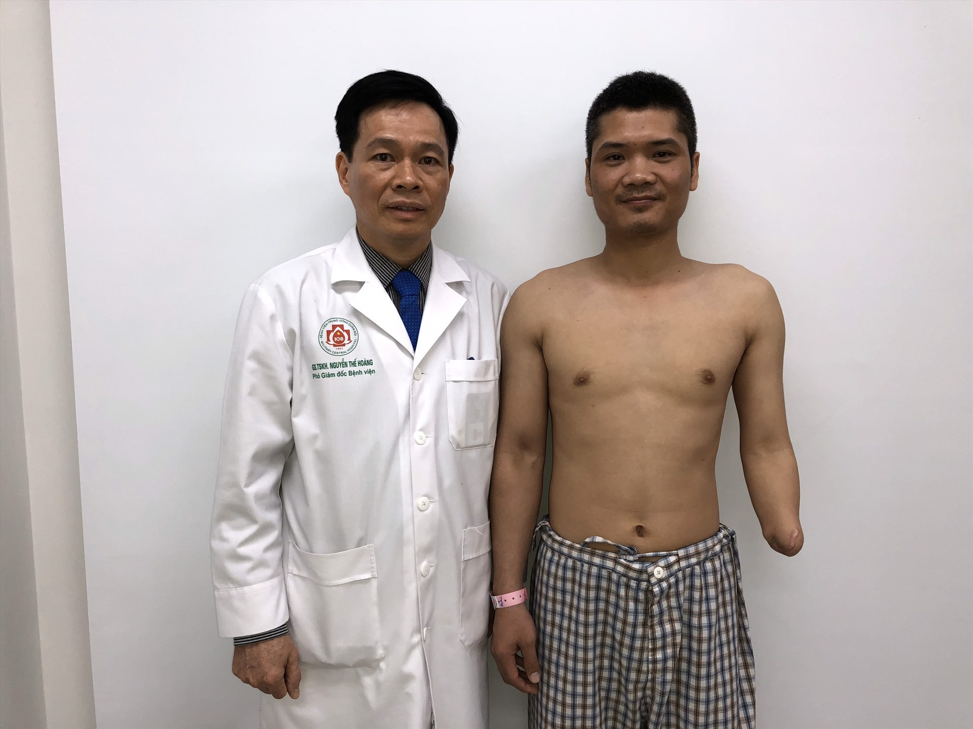 Ca ghép chi thể từ người cho sống đầu tiên trên thế giới là ở Việt Nam-1