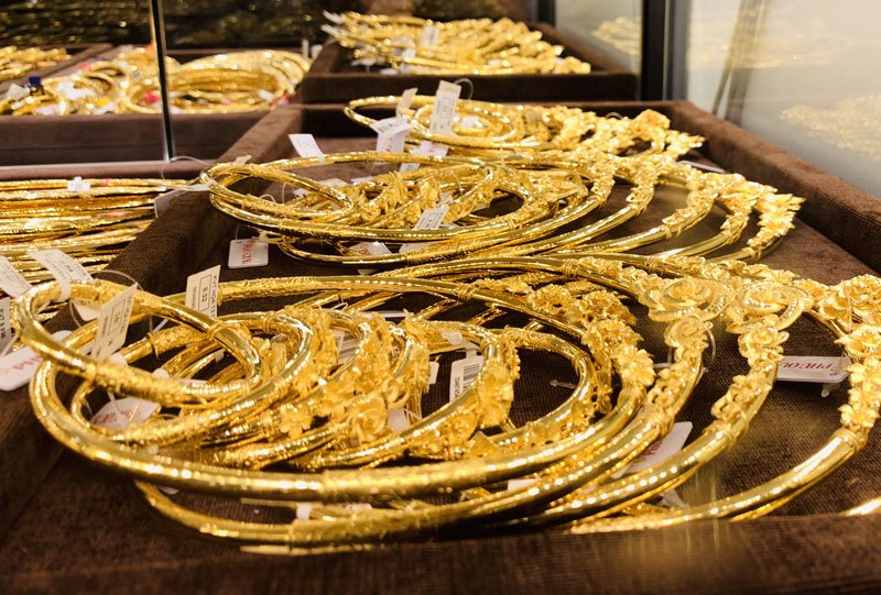 Giá vàng hôm nay 25/2, tăng giá từng giờ, vọt lên đỉnh 7 năm-1