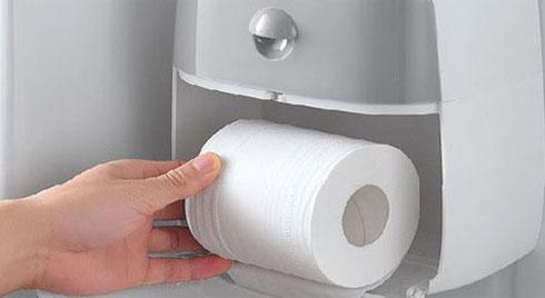 Đổ giấm vào giấy vệ sinh rồi cho vào tủ lạnh, biết công dụng ai cũng muốn học theo