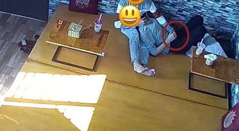 'Đỏ mặt' nhìn nam thanh niên thản nhiên sờ soạng vùng nhạy cảm bạn gái ngay quán trà sữa