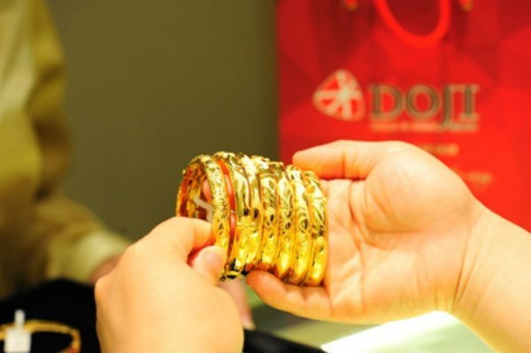 Giá vàng hôm nay 28/2: Đà tăng lên 1.800 USD/ounce-1