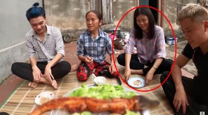 Ảnh hiếm hoi về con gái bà Tân Vlog, vừa công bố đã hot hơn clip nấu ăn của mẹ-2